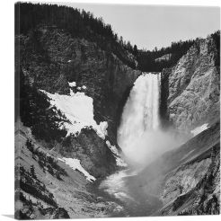 Yellowstone Falls - Yellowstone - Wyoming